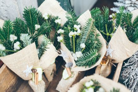 9 seasonal plants for Christmas bouquets